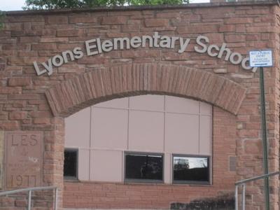 Lyons  2 C  C O  2 C  Elementary  School  I M G  5 2 4 4