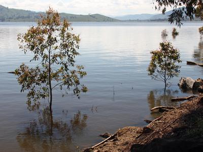 Lake  Hume