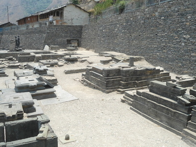 Lakhamandal  Temple  Mandals