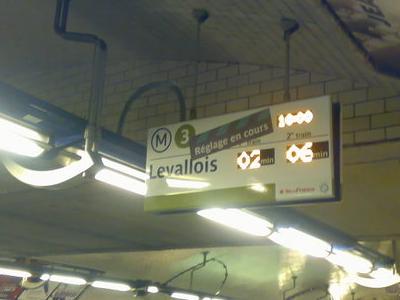 Line 3 Platforms At Republique
