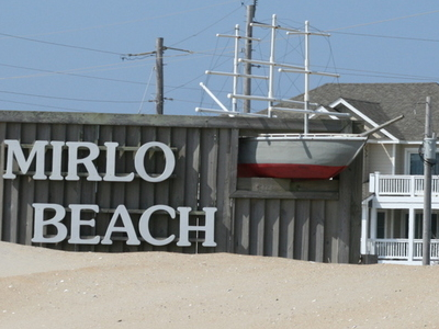 Mirlo Beach Sign