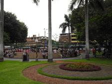 Modern Parque Front