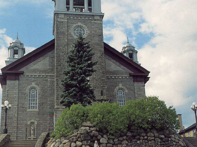 Mont   Joli  Notre   Dame  De   Lourdes