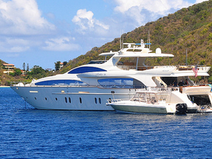 Booking Season Picks Up! Rent a Yacht Fotos