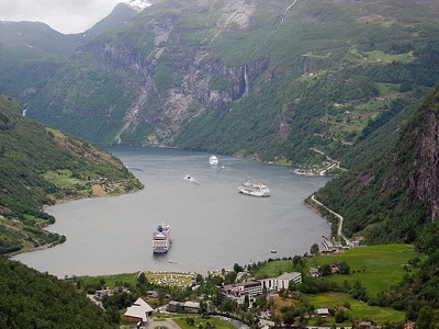 Mt. Dalsnibba & Serpentine Descent To Geirangerfjord