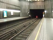 Metro Brussel Graaf Van Vlaanderen Perrons