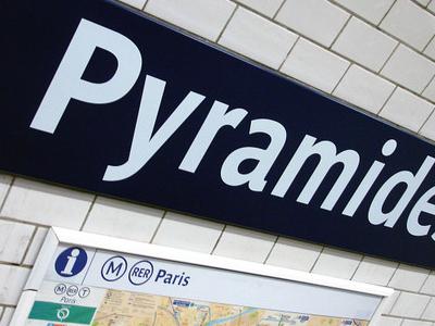 Pyramides Station