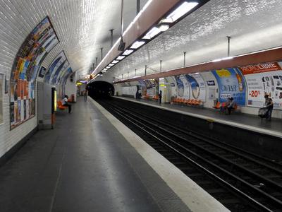 Line 7 Platforms At Riquet