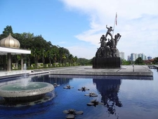 National Monument Pond And Statue