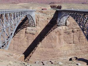 Navajo de arco de acero puente de la carretera
