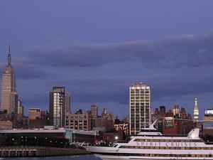 Viator VIP: Exclusive NYC New Year's Eve Luxury Dinner Cruise Photos