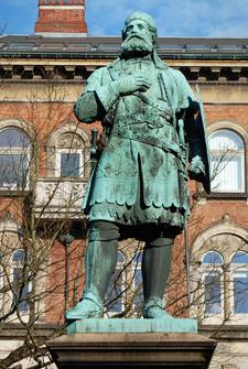 Niels Ebbesen Statue