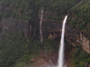 Noh-Kalikai Falls