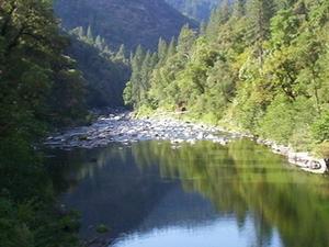 Norte Tenedor río de la pluma