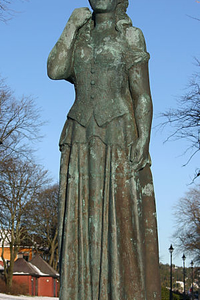 Norwegian Lady Statues