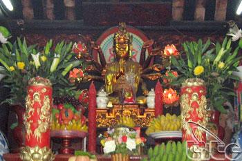 Inside Of One Pillar Pagoda