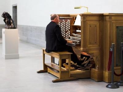 The Symphonic Organ