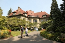 OR Pittock Mansion With Garden