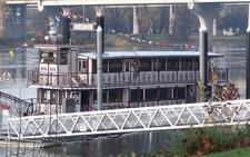 Salempaddleboat