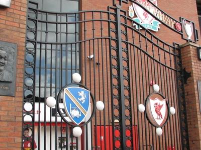 Paisley Gateway Outside The Kop