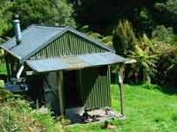 Pakihi Hut