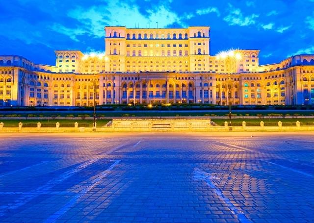 Bucharest Tour: Behind The Wall Photos