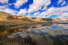 Pangong Mountain Range Reflecting In Lake