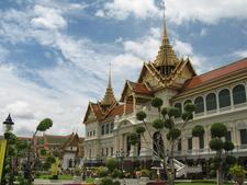 Phra Thinang Chakri Maha Prasat Group