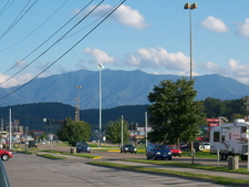 Pigeon Forge With Mount Le Conte