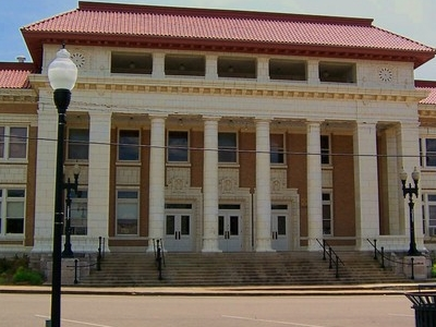 Pontotoc County Courthouse.