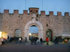 Porta Di San Ranieri