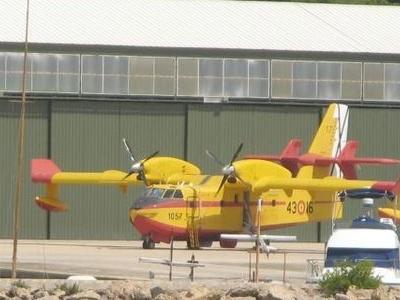 Port De  Pollen  C 3  A 7a  Canadair  C L   2 1 5