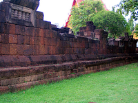 Prasat Kamphaeng Yai Wat Sa