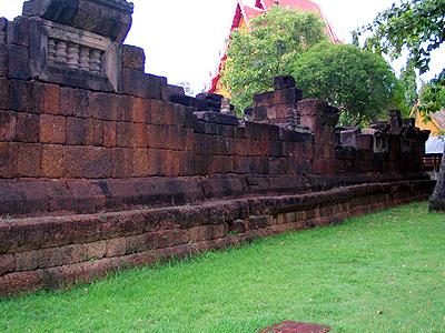 Prasat Wat Sa Kamphaeng Yai