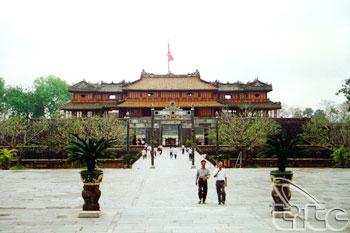 Principal Gate - Ngo Mon
