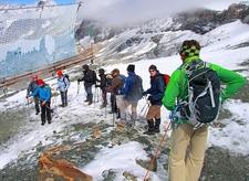 Préparation à La Descente Sur Le Glacier