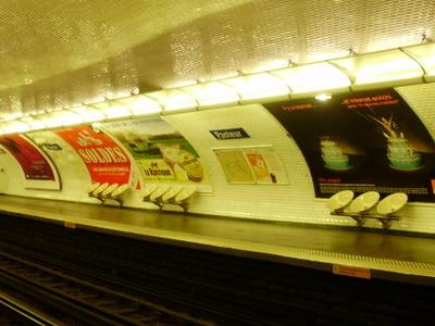 Line 6 Platforms At Pasteur