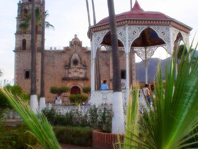 Plaza De Alamos