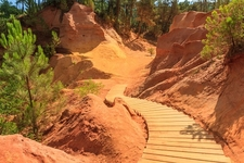 Red Cliffs In Roussillon - Provence Fr