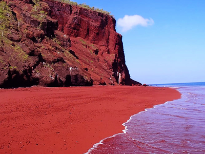 Red Sand Beach, Rabida
