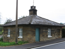 Renishaw - Toll House On A6135