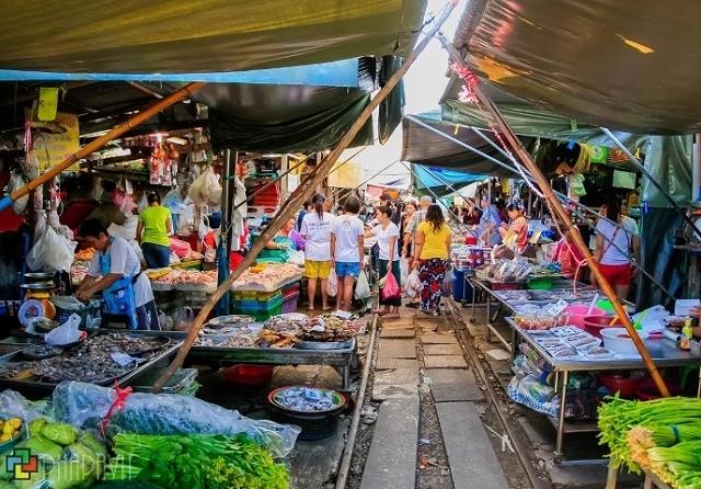 Day Tour Risky Market and Damnern Saduak Ftoating Market Half Day Tour Photos