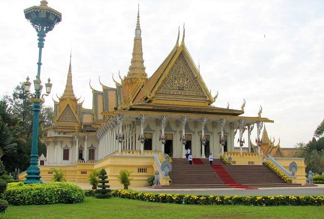 8 DAYS PACKAGE TOUR TRANQUIL MEKONG DELTA TO ANGKOR WAT Photos