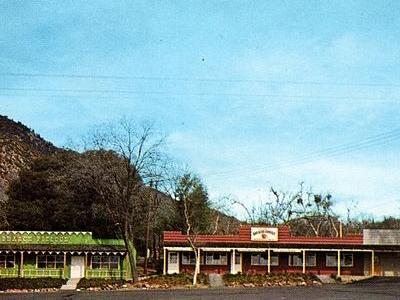Rustic Storefronts In Oak Glen