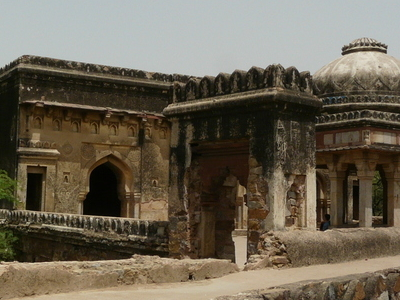 Rajon Ki Baoli Tomb Mosque And Entrance Gateway