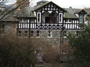 Bajo Doble Manor