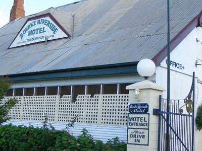 Telegraph Hotel In Bourke