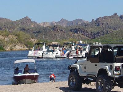 Saguaro Lake Visitor Crowd