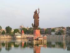 Sarveshwar Mahadev In Sur Sagar Lake