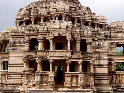 Sas Bahu Temples
